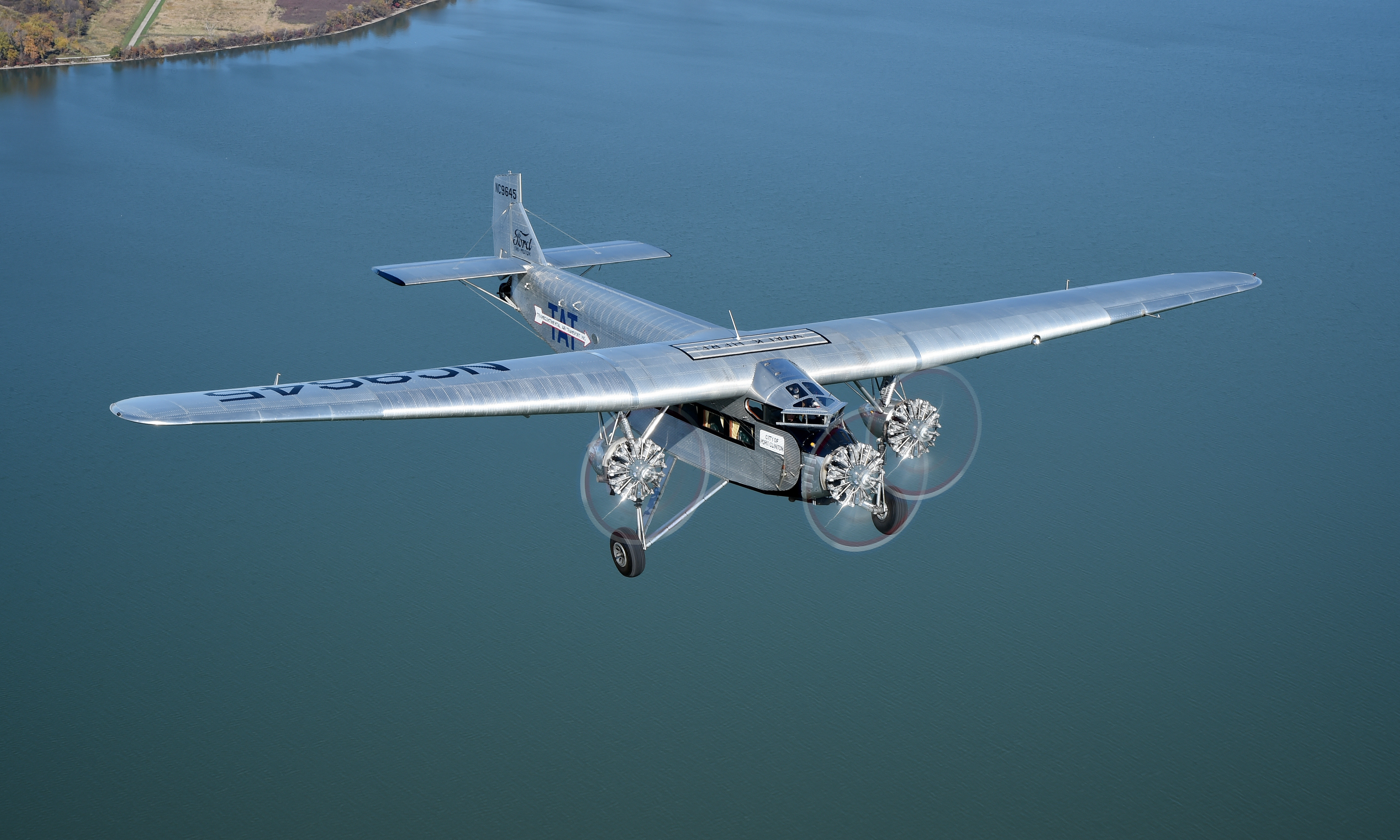 Palm Springs Ford >> Ford Tri-Motor 5AT_010.jpg - Palm Springs Air Museum